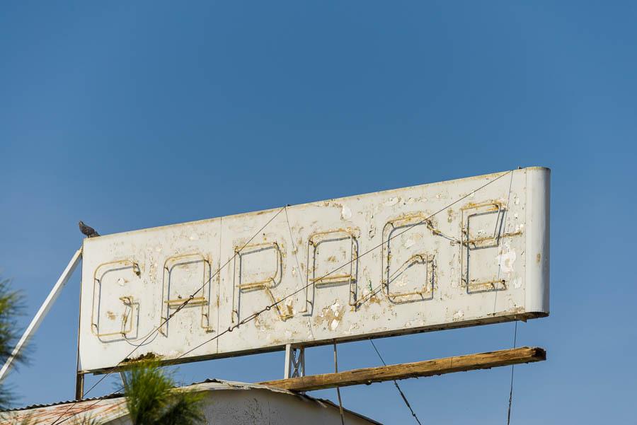 OldGarageSign-MettlerCA-20150211-004